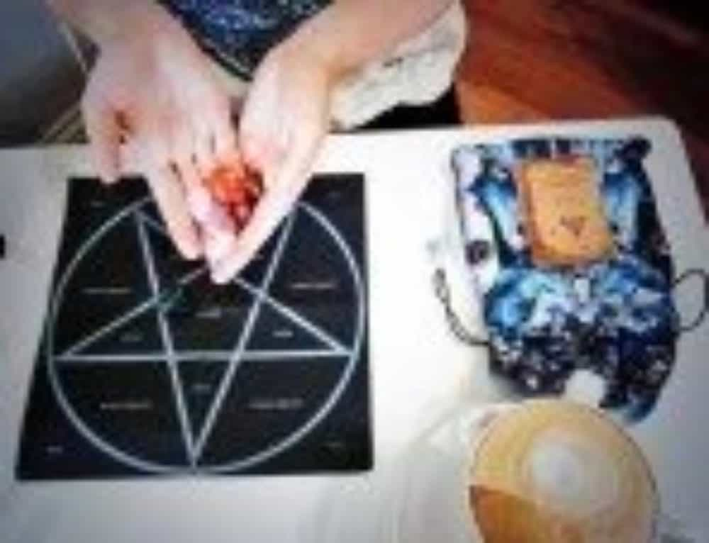 Oracle Mixing ~ Practise the Tarot using the Runes